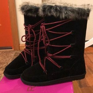 Rampage lace up furry boots ❤️